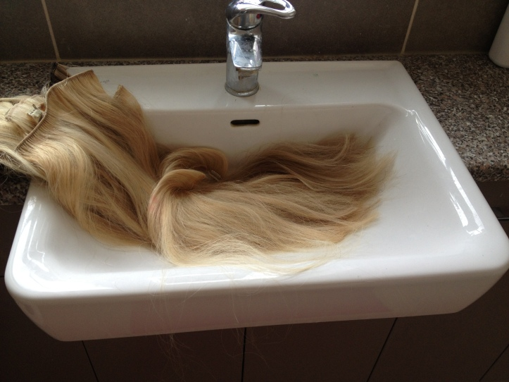 washing-clip-hair-extensions